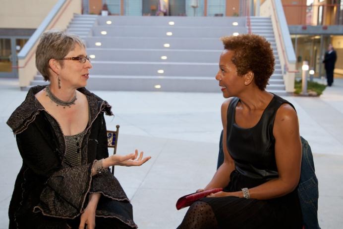 Rhonda P. Hill Talks to Elaine Unzicker, Unzicker Designs, - Photo ©Desiree Hernandez | 2014, www.dezirephotography.com