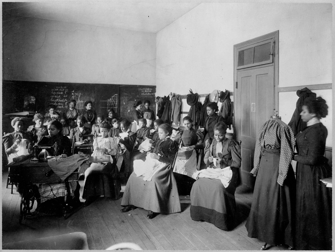 Sewing Class Howard University, Washington D.C. 1900, Wikimedia Commons