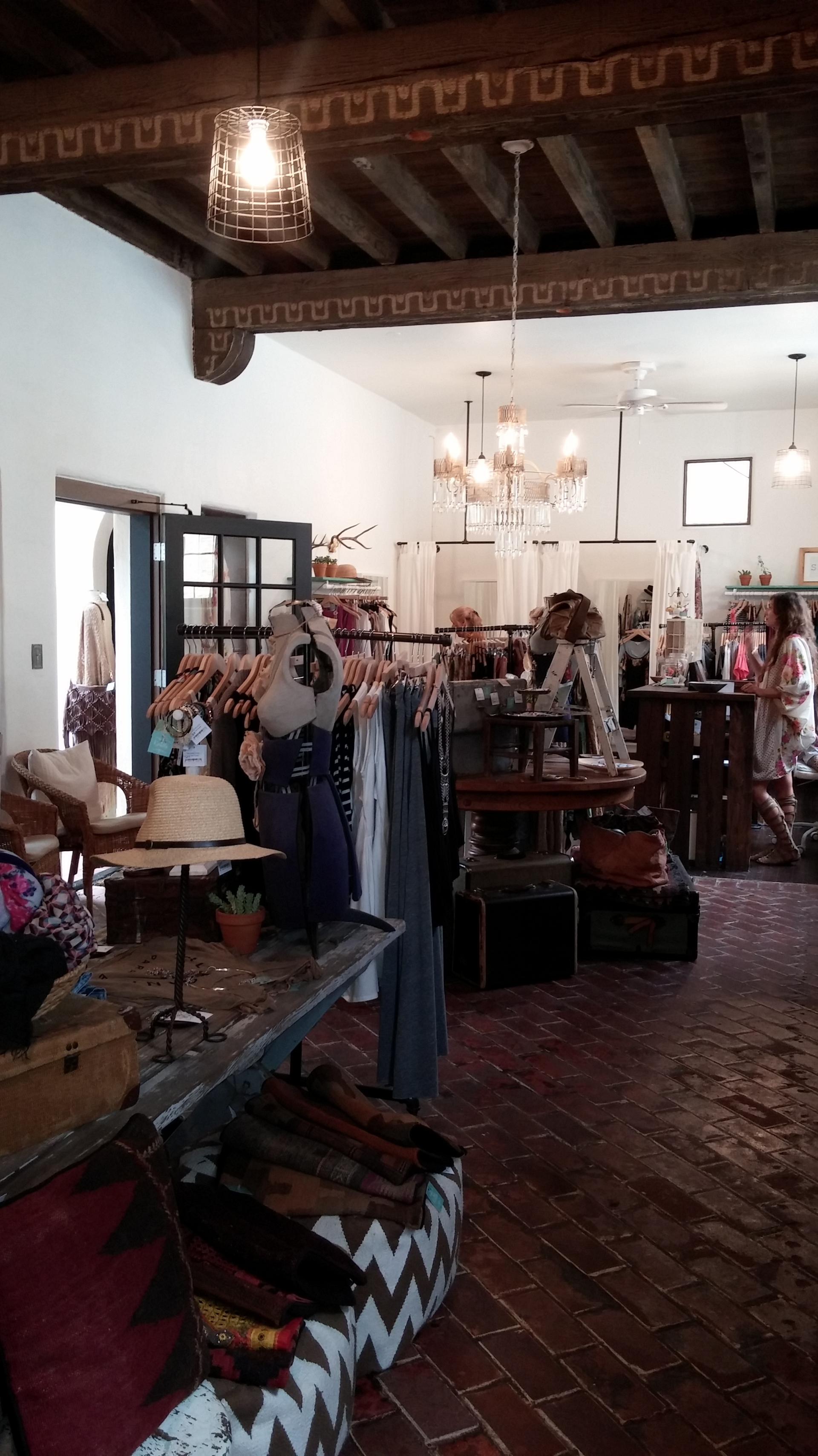 Kariella Clothing Shop, © Rhonda P. Hill