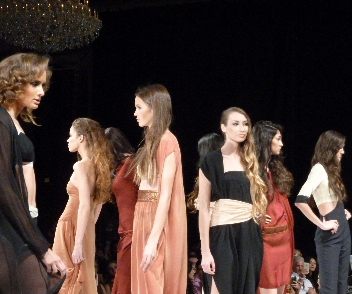 ArtHearts Fashion Show Hollywood | courtesy of EDGExpo.com
