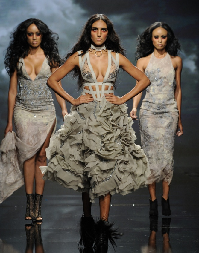 LOS ANGELES, CA - OCTOBER 09: Models walk the runway wearing Amato Couture at Art Hearts Fashion Los Angeles Fashion Week presented by AIDS Healthcare Foundation on October 9, 2016 in Los Angeles, California. (Photo by Arun Nevader/Getty Images for Art Hearts Fashion)