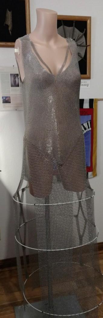 Armored Dream, Dress