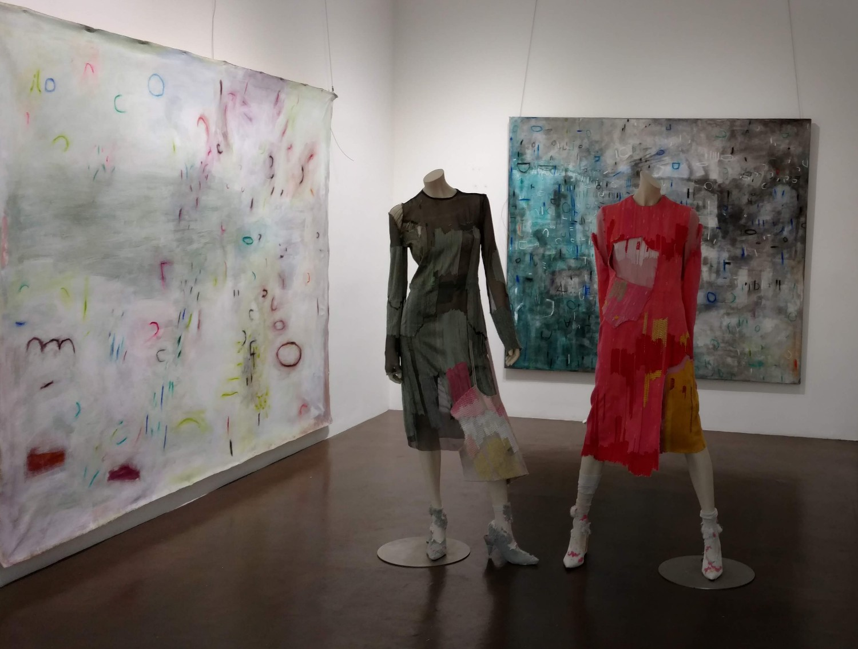 Erik ReeL, painter | Blurred Boundaries: Fashion as an Art, Tingyue Jiang, designer | GraySpace Gallery, ©EDGExpo.com