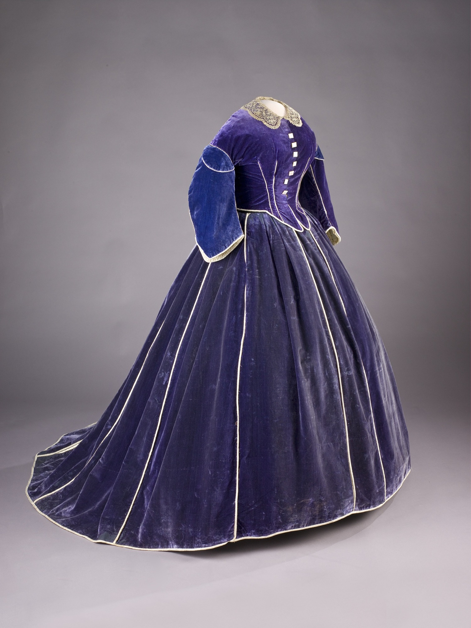 Dress worn by Mary Lincoln. Skirt with daytime bodice. PL*033280.A and PL*033280E.